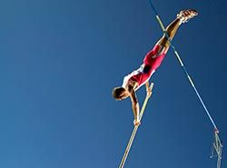 Participate in athletics competitions and events in Spain