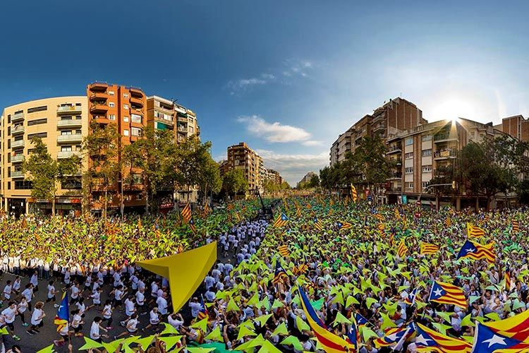 1,5 million Catalans took to the streets demanding independence from Spain