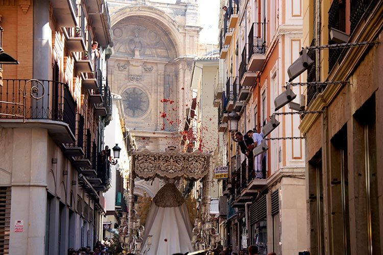 Easter celebrations in Barcelona and Granada